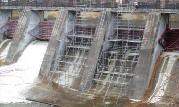 鶴沼発電所 洪水ゲート塗装工事